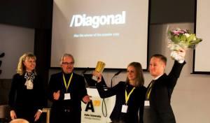 Diagonal receiving the award